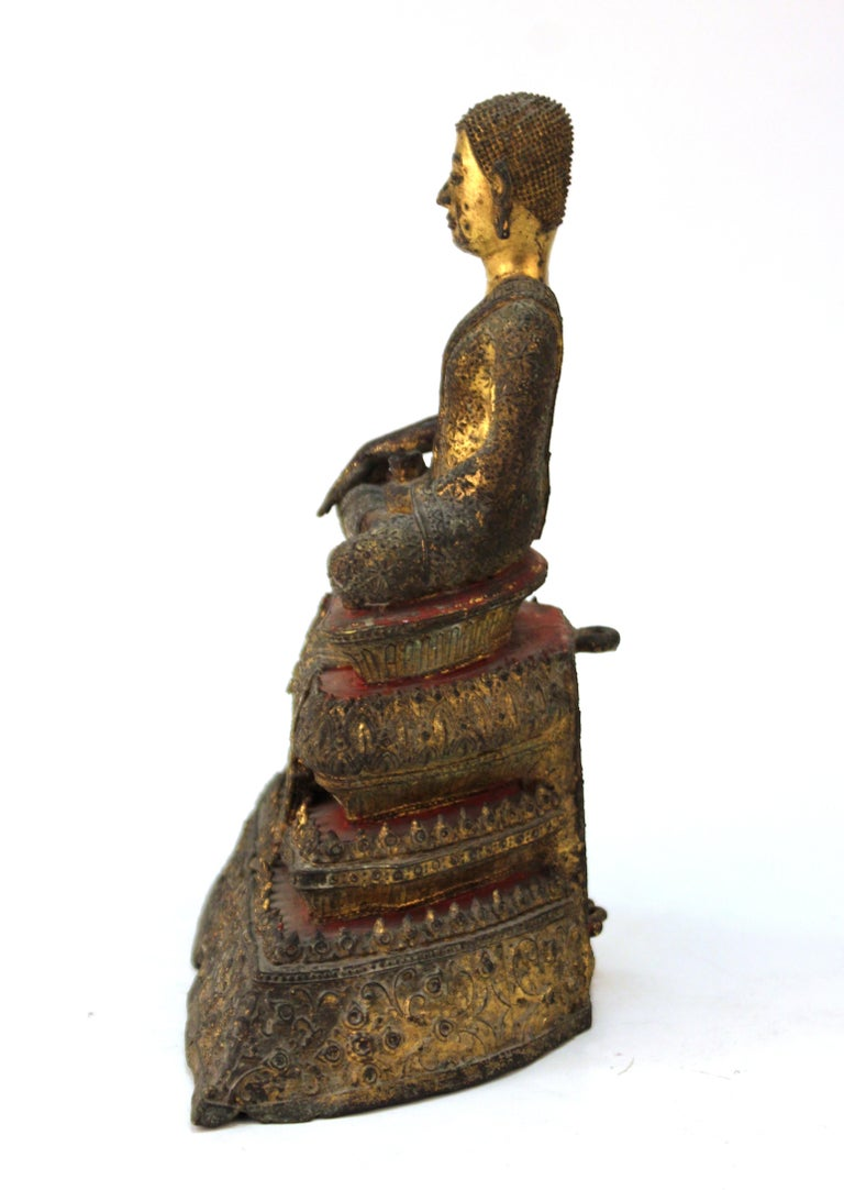 Thai Rattanakosin Period Gilt Bronze Buddha In Good Condition For Sale In New York, NY