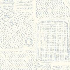 Bedruckte Tapete von Sarah Merenda, Himmelblau auf Cremeweiß