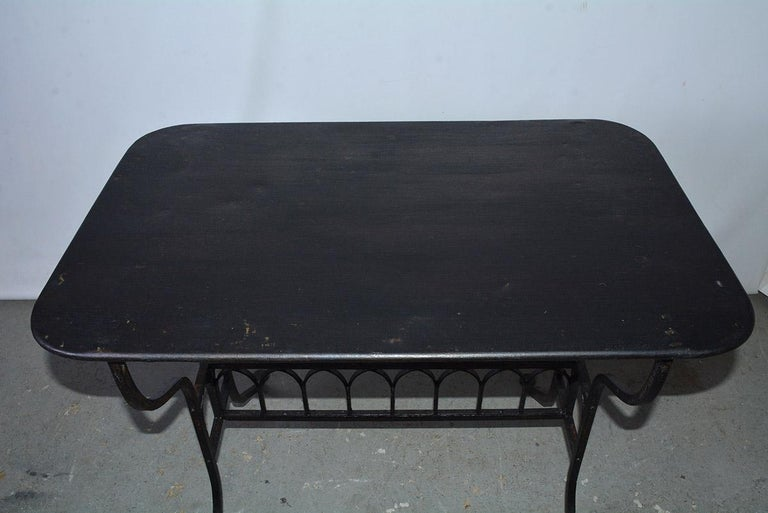 19th Century French Iron Bistro Table with Faux Gothic Stretcher For Sale 1