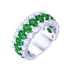 The Classic Green Emerald White Diamond White Gold Band Ring for Her 18k
