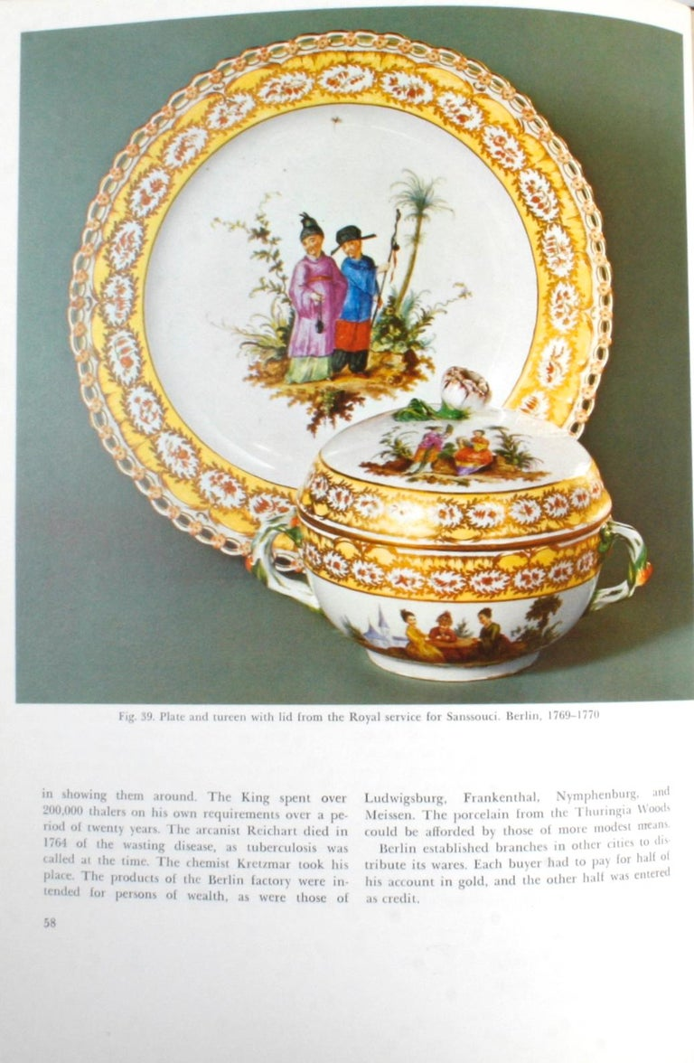 The Color Treasury of 18th Century Porcelain, 1st Edition For Sale 4