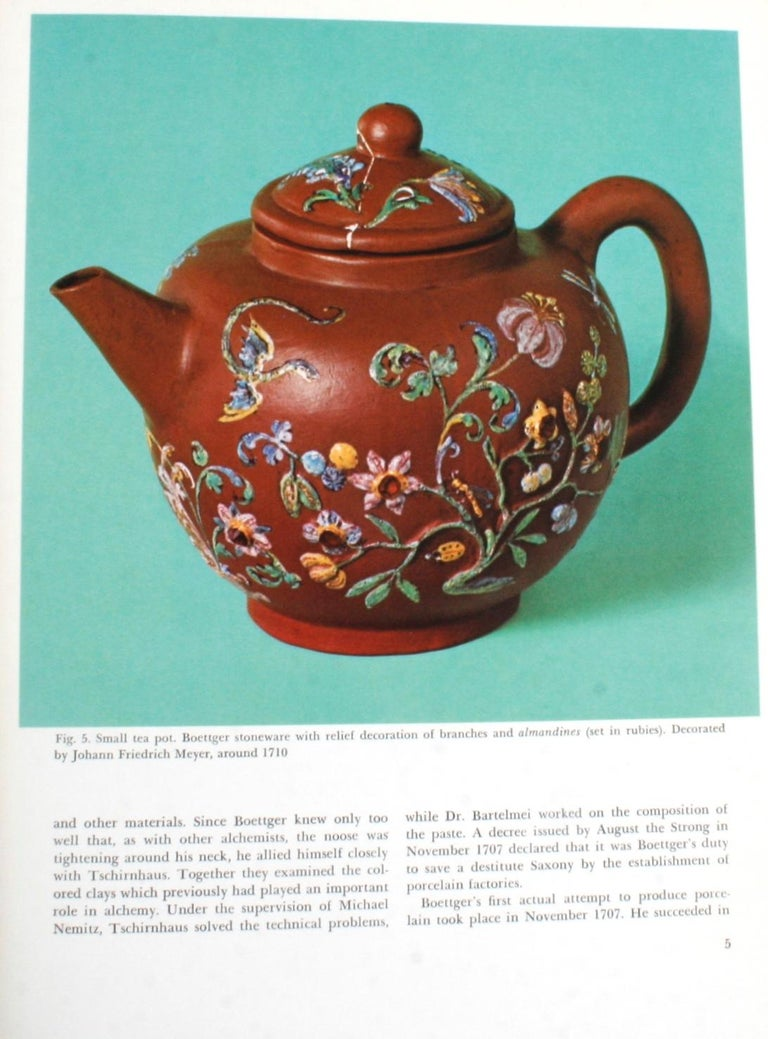 The Color Treasury of 18th Century Porcelain, 1st Edition In Good Condition For Sale In valatie, NY