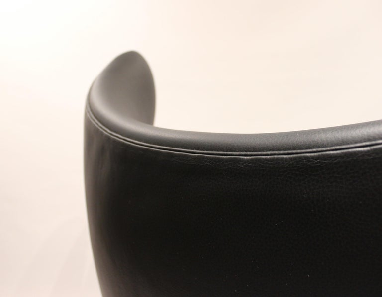 Mid-20th Century Egg, Model 3316, Black Leather by Arne Jacobsen and Fritz Hansen, 1960s For Sale