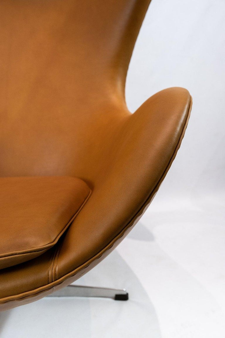 Mid-20th Century The Egg, Model 3316 by Arne Jacobsen and Fritz Hansen For Sale