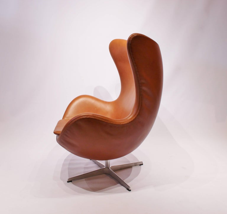 Scandinavian Modern The Egg, Model 3316, Cognac Leather by Arne Jacobsen and Fritz Hansen For Sale