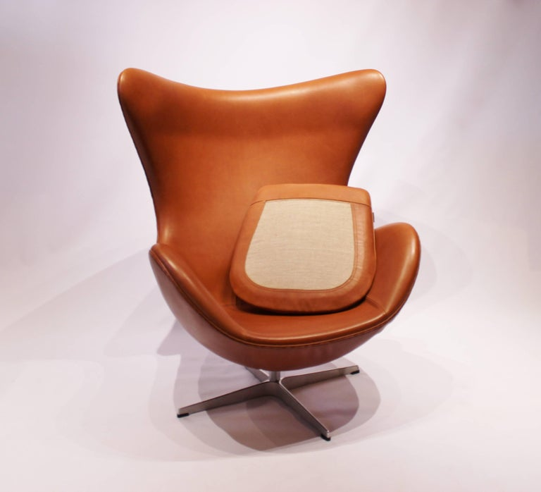 The Egg, Model 3316, Cognac Leather by Arne Jacobsen and Fritz Hansen In Good Condition For Sale In Lejre, DK