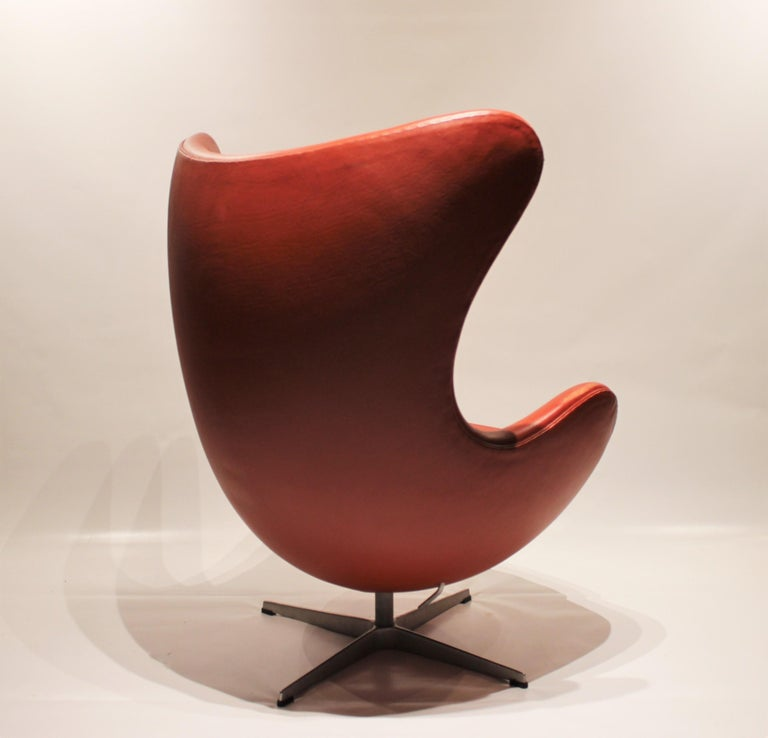 Scandinavian Modern The Egg, Model 3316, Red Leather, by Arne Jacobsen and Fritz Ansen, 2001 For Sale