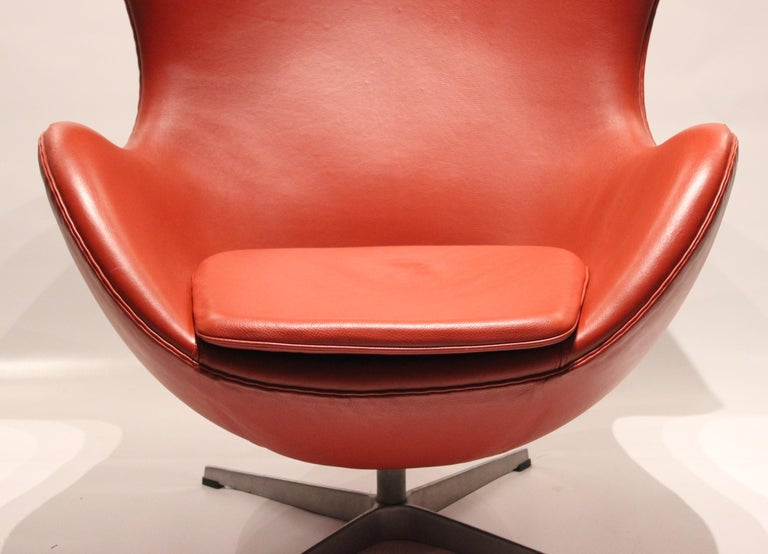 Danish The Egg, Model 3316, Red Leather, by Arne Jacobsen and Fritz Ansen, 2001 For Sale
