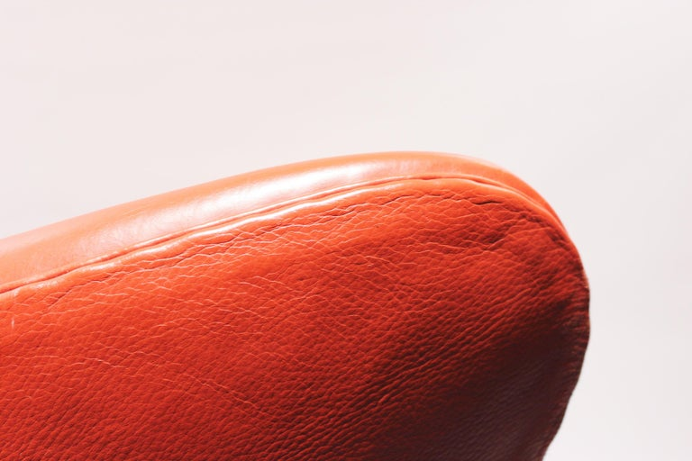 Mid-20th Century The Egg, Model 3316, Red Leather, by Arne Jacobsen and Fritz Ansen, 2001 For Sale
