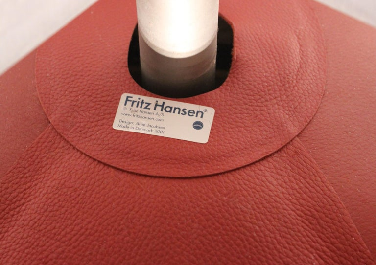 The Egg, Model 3316, Red Leather, by Arne Jacobsen and Fritz Ansen, 2001 For Sale 1