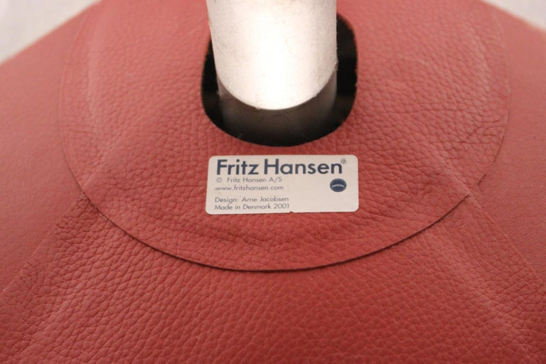 The Egg, Model 3316, Red Leather, by Arne Jacobsen and Fritz Hansen, 2001 For Sale 1