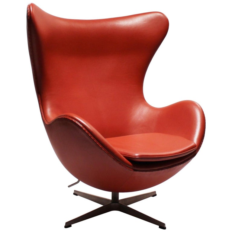 The Egg, Model 3316, Red Leather, by Arne Jacobsen and Fritz Hansen, 2001 For Sale