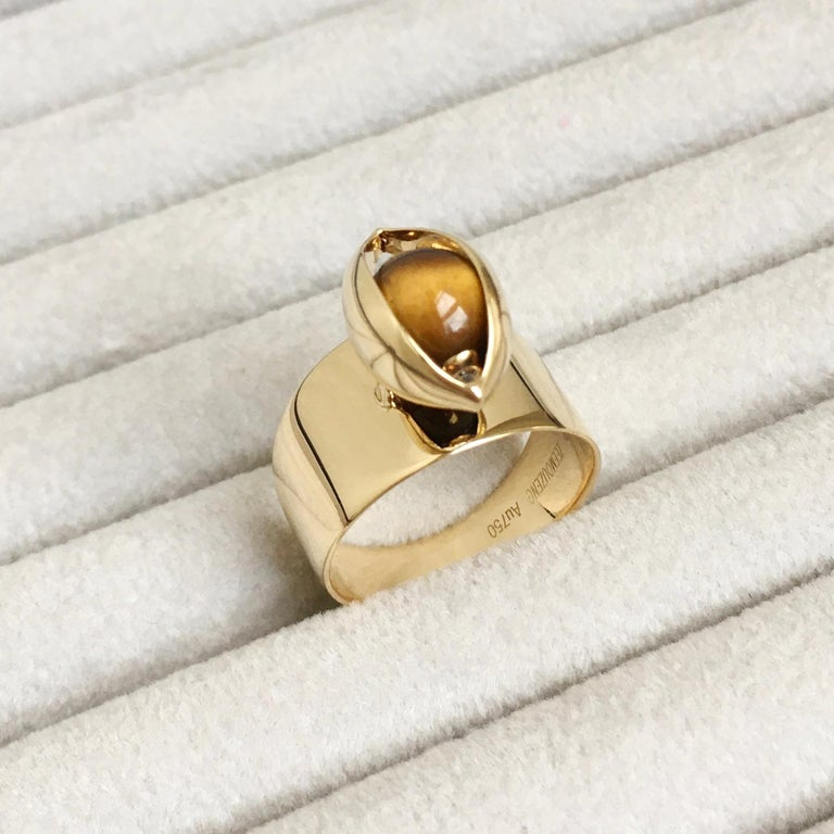 Artisan Eye Unisex Ring 18 Karat Yellow Gold Tiger's Eye Ruby Diamond For Sale