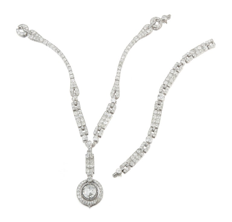 The Historic Art Deco Porges Sautoir Necklace by Cartier In Excellent Condition For Sale In New York, NY