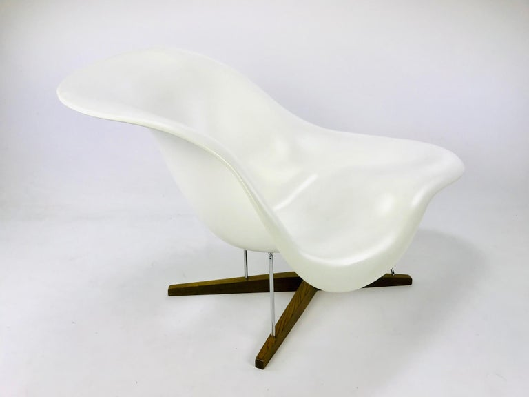 The La Chaise Lounge Chair, Design by Charles & Ray Eames by Vitra For Sale 6
