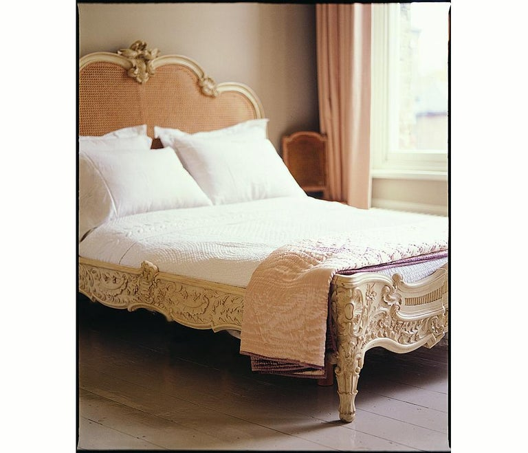 Lit De Marriage Bed, Made in the LXV Style, Finished in Rose and Silver In Excellent Condition For Sale In London, GB