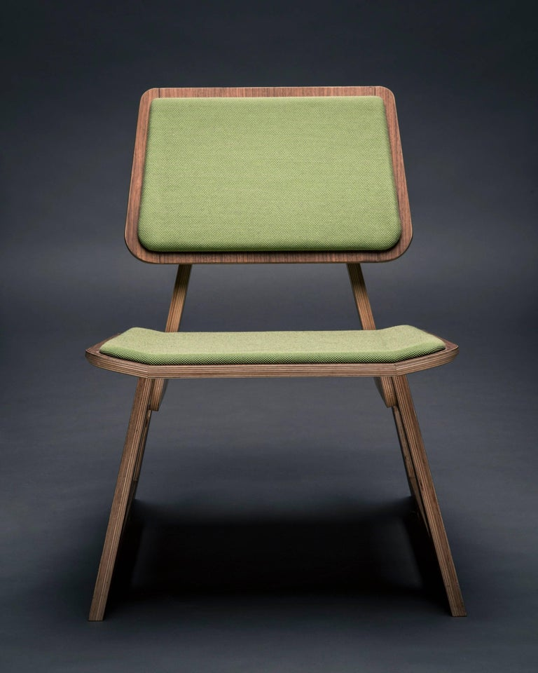 Mafoo Lounge Chair Walnut veneered plywood handmade by Lee Matthews In New Condition For Sale In Vienna, AT