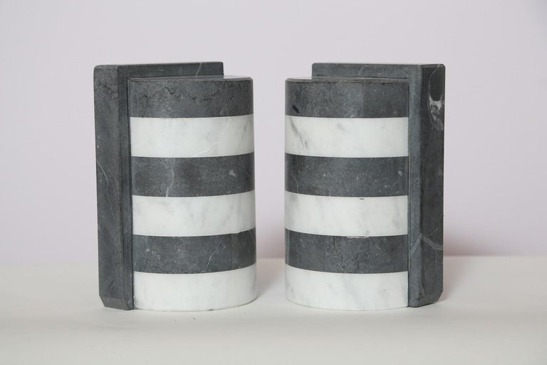 The Marble House Bookends in Black and White Carrara, Handmade in Italy For Sale 3