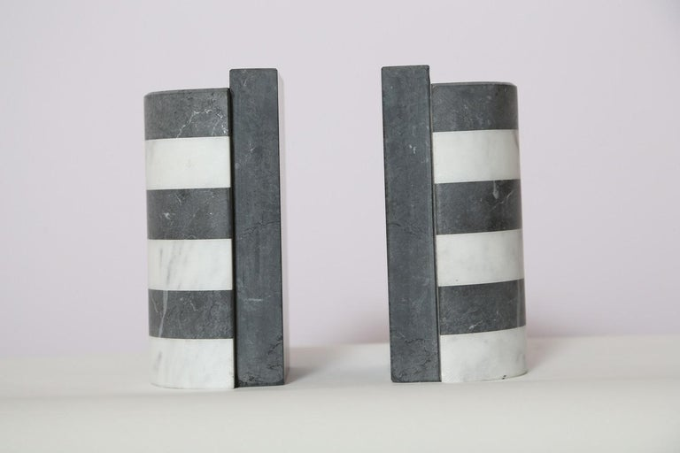 Hand-Crafted The Marble House Bookends in Black and White Carrara, Handmade in Italy For Sale