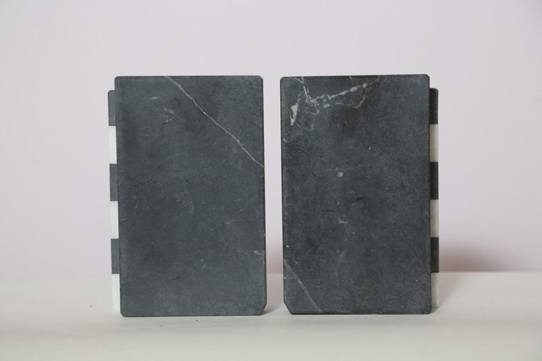 The Marble House Bookends in Black and White Carrara, Handmade in Italy For Sale 1