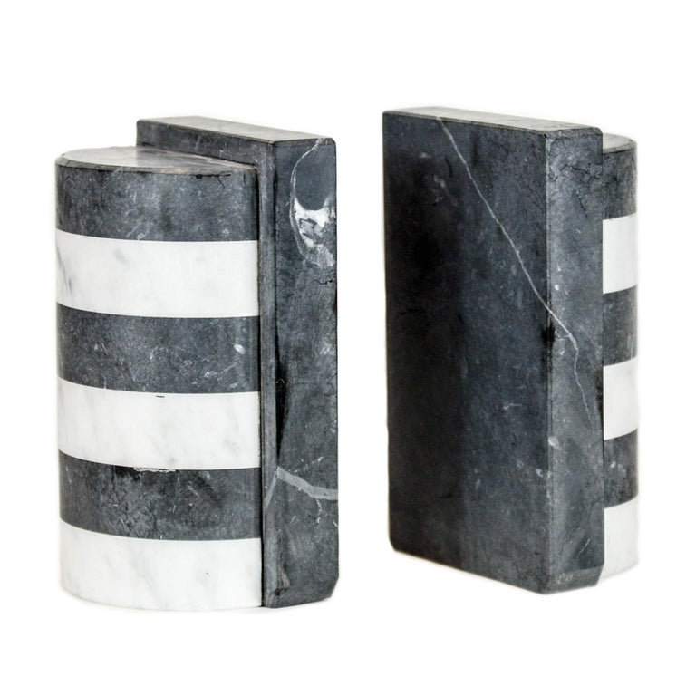 The Marble House Bookends in Black and White Carrara, Handmade in Italy For Sale