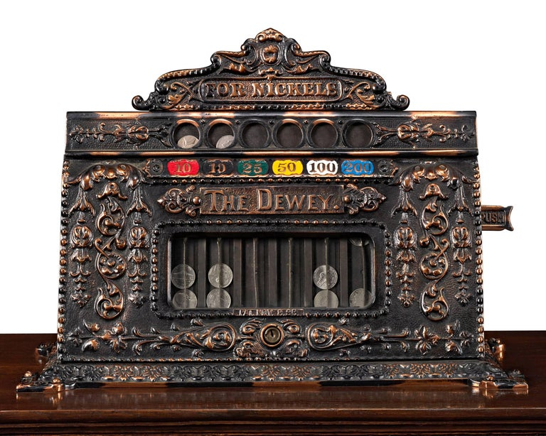 Mills Dewey-Chicago Triplet Slot Machine In Excellent Condition For Sale In New Orleans, LA