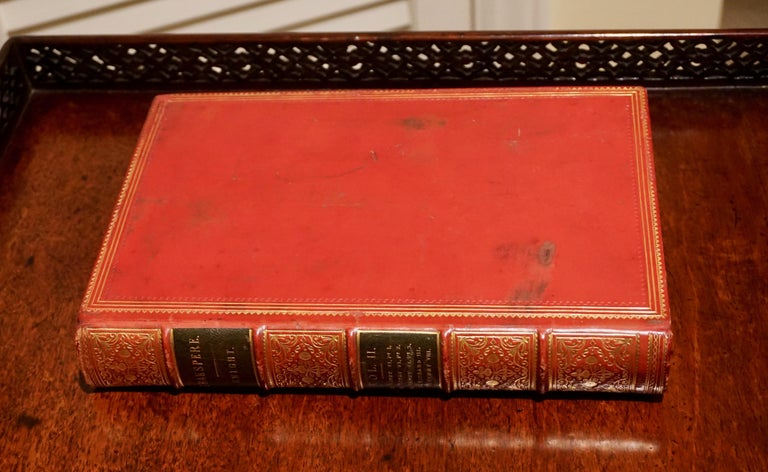 English The Pictorial Edition of the Works of Shakspere 'sic' in 8 Leatherbound Volumes For Sale