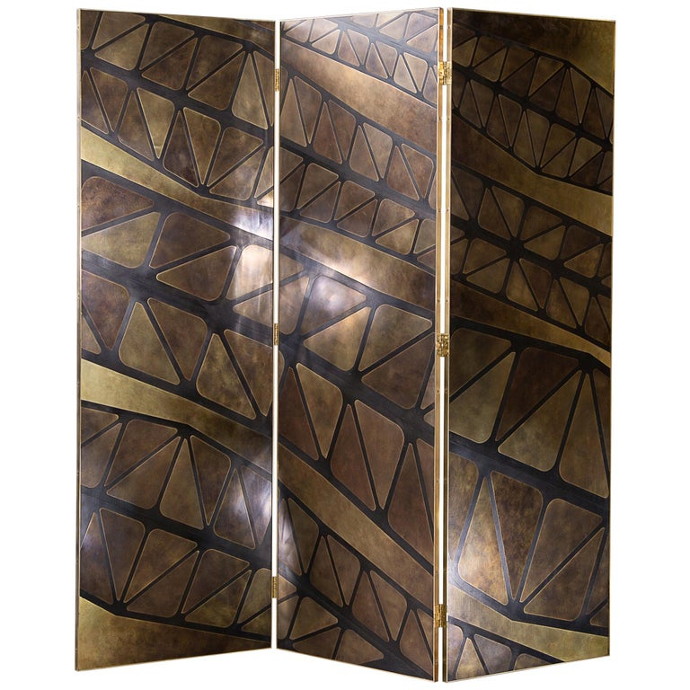 The QE2 Metal Marquetry Screen in Hand Patinated Brass For Sale