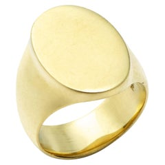 The Scott Signet Ring in 18 Karat Gold