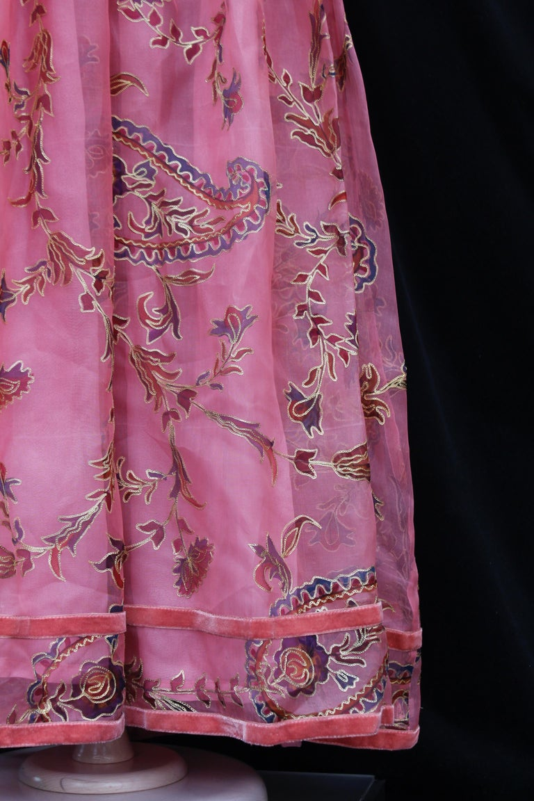 Thea Porter Couture gorgeous pink organza dress with floral print, 1970's For Sale 1