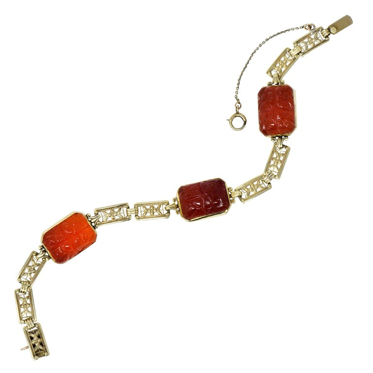 Theberath & Co. Art Nouveau Carnelian 14 Karat Gold Bracelet For Sale
