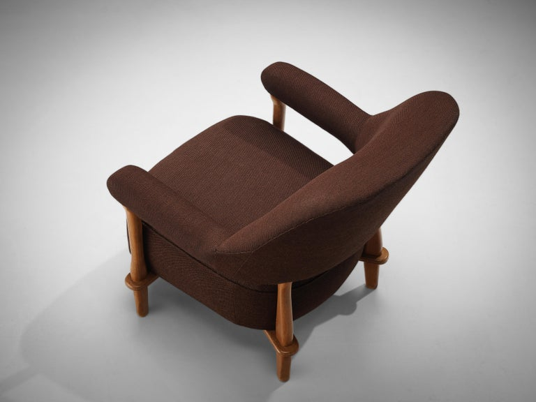 Theo Ruth for Artifort Lounge Chair 109 in Oak and Brown Fabric In Good Condition In Waalwijk, NL