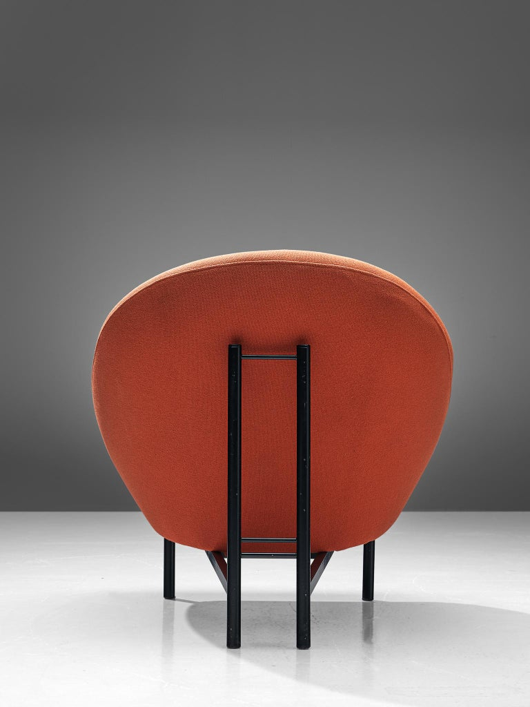 Theo Ruth for Artifort Orange Lounge Chair In Good Condition For Sale In Waalwijk, NL