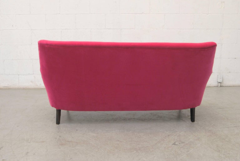 Theo Ruth Loveseat by Artifort In Good Condition For Sale In Los Angeles, CA