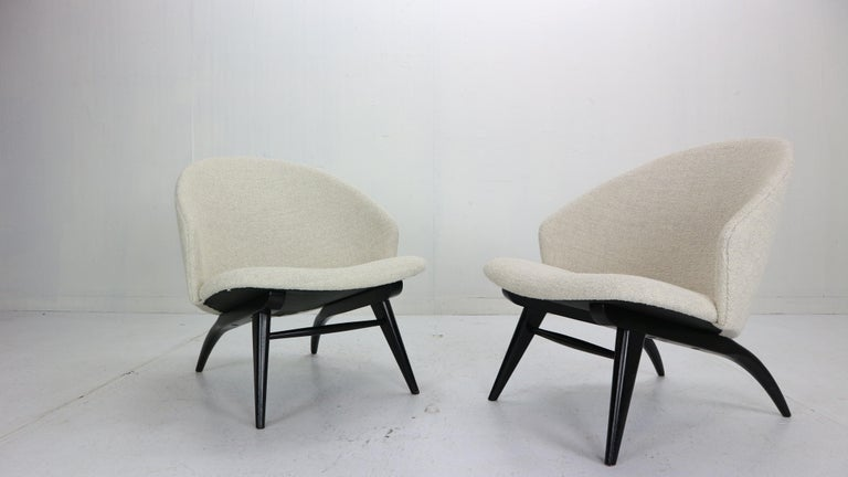 Set of two lounge chairs designed by Theo Ruth and manufactured by famous Dutch furniture fabric Artifort in 1950s period.
