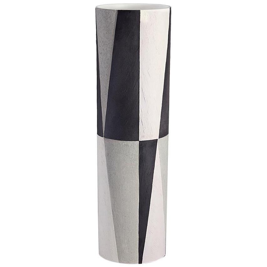 Theo Vase in Earthenware