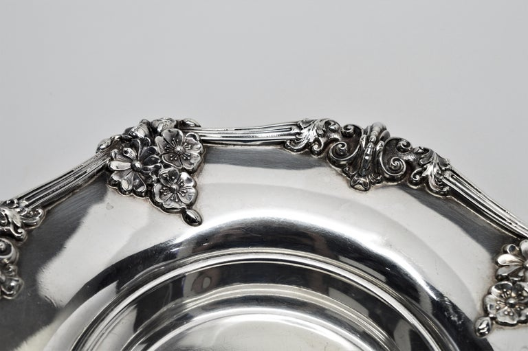 Theodore B. Starr Sterling Silver Bowl In Excellent Condition For Sale In Mount Kisco, NY
