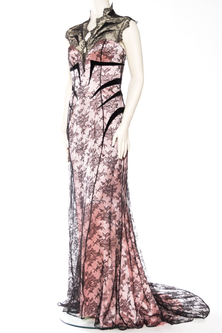 Thierry Mugler Satin and Lace Trained Gown Large EU44 In Excellent Condition For Sale In New York, NY