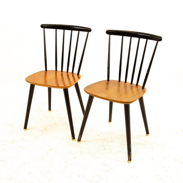 Mid-Century Modern Pair of Thomas Harlev for Farstrup Mobelfabrik Danish Mid Century Dining Chairs For Sale