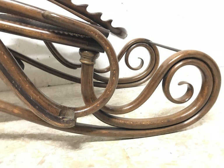 Thonet, a Bentwood Chaise Lounge with Wonderful Scroll Work Details & Cane Work For Sale 10