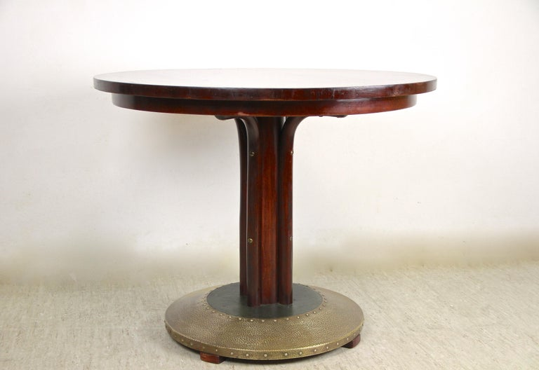 Thonet Bentwood Coffee Table with Hammered Brass Base, Austria, circa 1915 For Sale 4