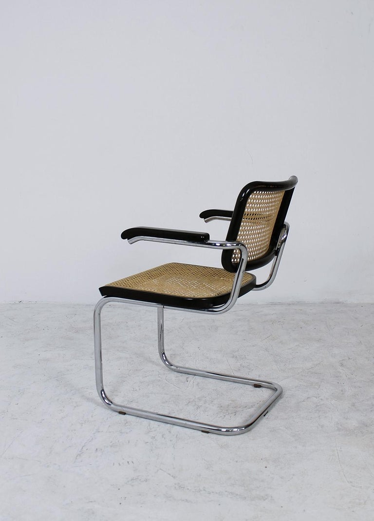 Thonet Cantilever Armchair Model B64 by Marcel Breuer, 1927 In Good Condition For Sale In Debrecen-Pallag, HU