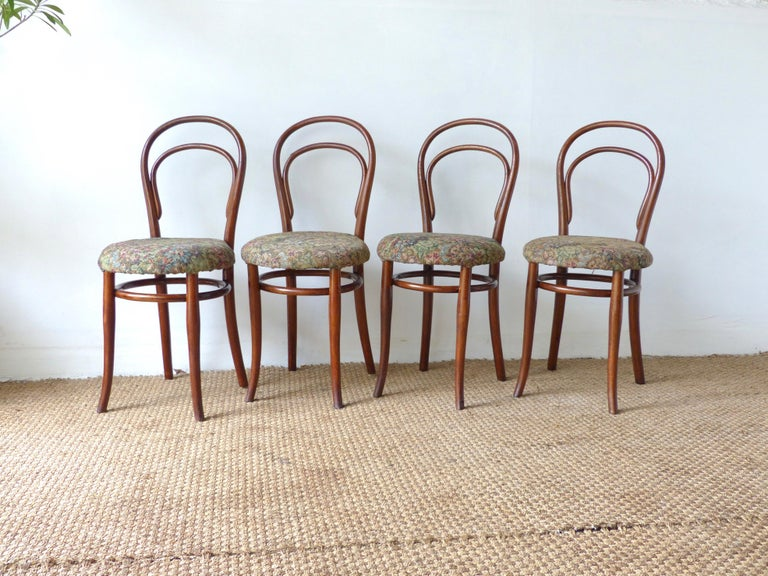 Here are 4 Thonet chairs from the late 19th century. The timeless and famous chairs full of history!  Very old. Dating from the end of the 19th century, they have a long history and have a beautiful patina of time. Rare to find them from that