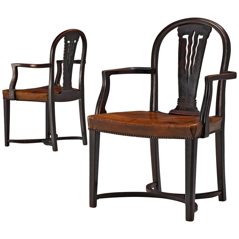 Thonet Pair of Art Deco Armchairs in Wood and Patinated Leather For Sale