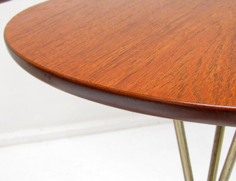 Three 1950s Swedish Round Atomic Side Tables in Teak & Brass by Albert Larsson For Sale 4