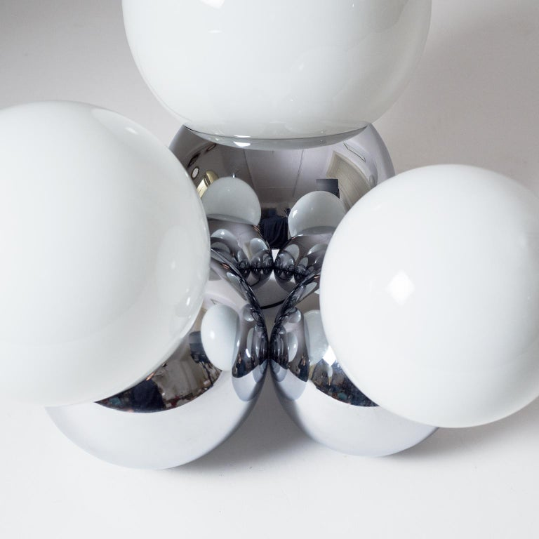 Three Globe Chrome Table Lamp by Reggiani, 1960s For Sale 2