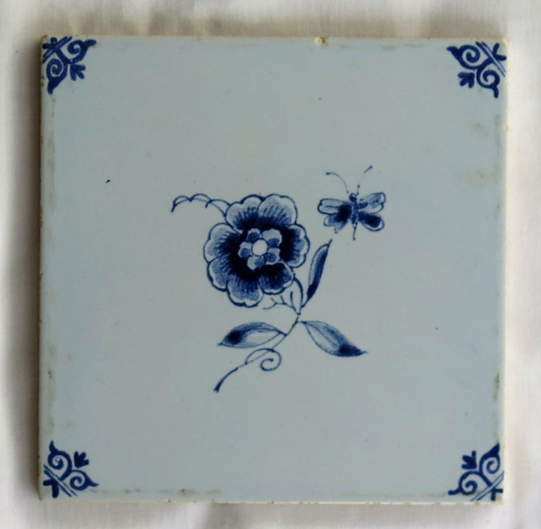 Three Individual Ceramic Delft Wall Tiles Horsemen and Flowers, Mid-20th Century For Sale 7