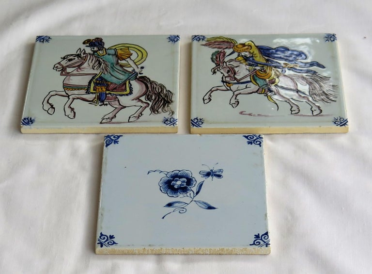 Three Individual Ceramic Delft Wall Tiles Horsemen and Flowers, Mid-20th Century For Sale 2
