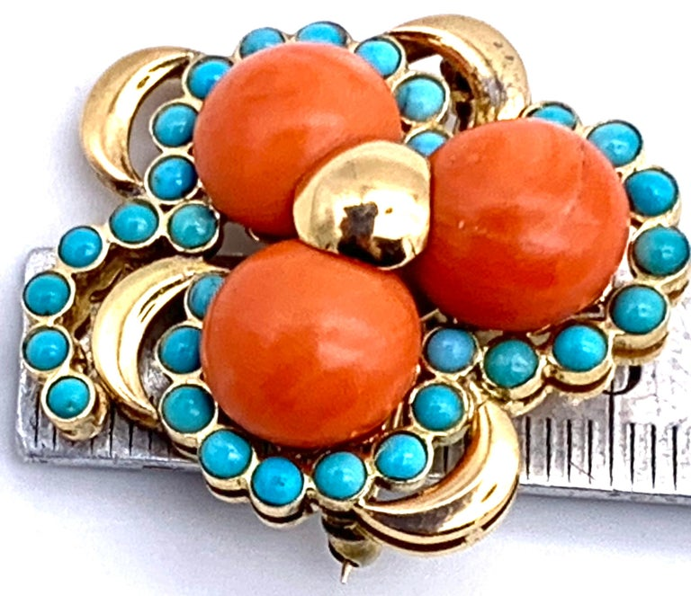 Three Leaf Clover Coral Turquoise Gold Brooch, Italy In Excellent Condition For Sale In Munich, Bavaria