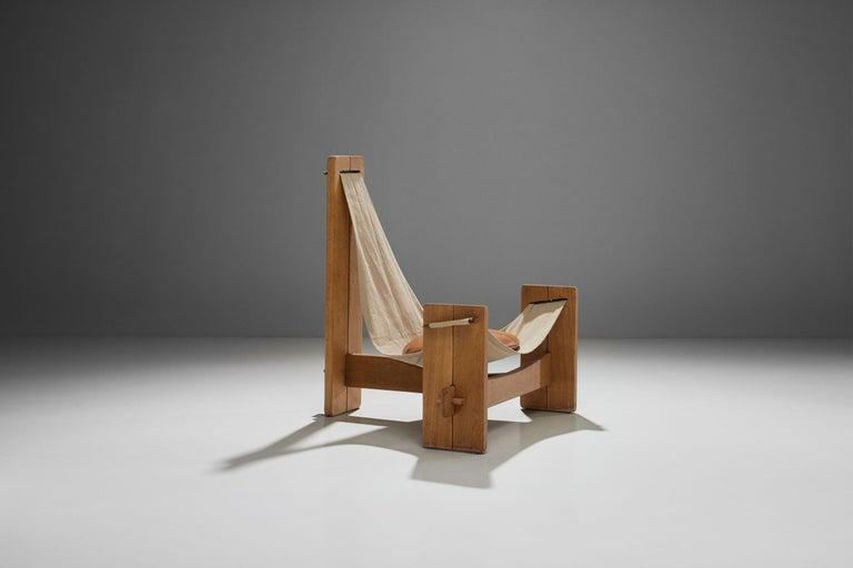 Mid-Century Modern Three-Legged Oak Sling Chair in Oak, circa 1960s-1970s For Sale